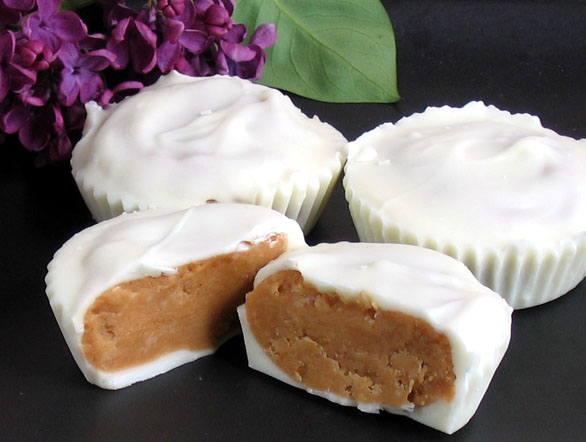 White Chocolate Peanut Butter Cups – Robin Robertson